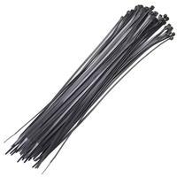 Produzida na cor preta, as abraçadeiras podem ser facilmente camufladas quando utilizada em um ambiente ou material escuro. Adequada para diversas ati