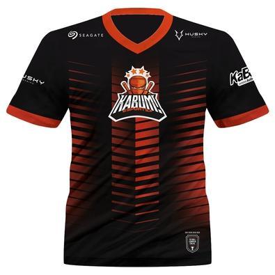 Agora você pode vestir o manto dos Ninjas do KaBuM! onde você quiser. A Camiseta Uniforme Oficial KaBuM! Esports 2021 possui as já consagradas cores d