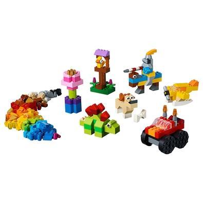 Divirta-se com em grandes aventuras com o conjunto LEGO Classic Conjunto de Peças Básico. Venha conhecer um cavaleiro a cavalo e um simpático dinossau