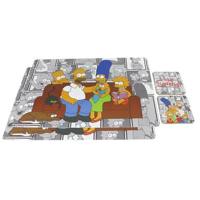Quer deixar sua mesa de jantar mais descolada com produtos dos Simpsons? Nossa loja nerd traz um combo que vai ajudar a vida dos geeks e cozinheiros.