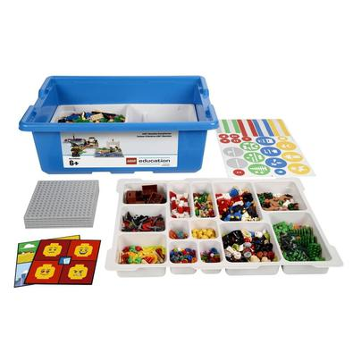 O Construindo Histórias é uma ferramenta prática que inspira os alunos a colaborar enquanto cria e comunica histórias usando os blocos LEGO como ferra