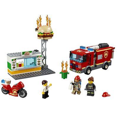 Salve os hambúrgueres! O bar de hambúrgueres da LEGO® City está ardendo e o dono precisa de sua ajuda. Aperte o cinto de sua garrafa de oxigênio, salt