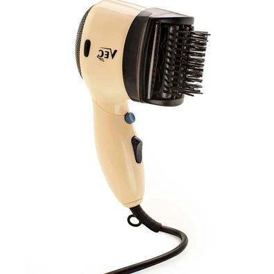 Um secador ideal para você! O Secador SC 901 vai secar e modelar seus cabelos com as escovas removíveis que acompanham o secador. Ele possui 2 níveis