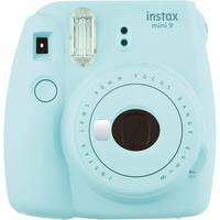 Câmera  Instantânea Instax Mini 9 - Azul AquaA Fuji Instax Mini 9, é o mais novo membro da família Instax, equipada com lente de alta qualidade feita