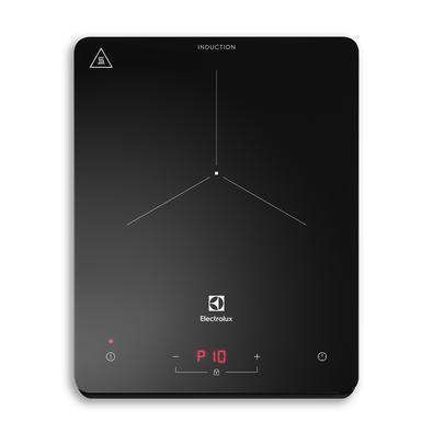 Conte com a flexibilidade total para cozinhar mais rápido de qualquer lugar com o Cooktop de Indução Portátil 1 Zona Electrolux (IE3TP). Leve e compac