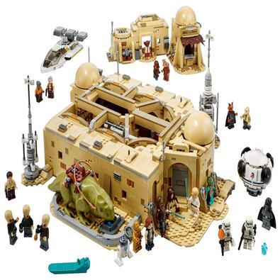 Desfrute de um tempo de qualidade a sós e reviva os icônicos momentos de Star Wars: Uma Nova Esperança com o modelo de construção LEGO® Star Wars™ Can