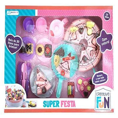 Com Creative Fun Super Festa você pode fazer uma festa super divertida para seus amigos! Decore o bolo e os docinhos como quiser! Quer um pedaço? Com