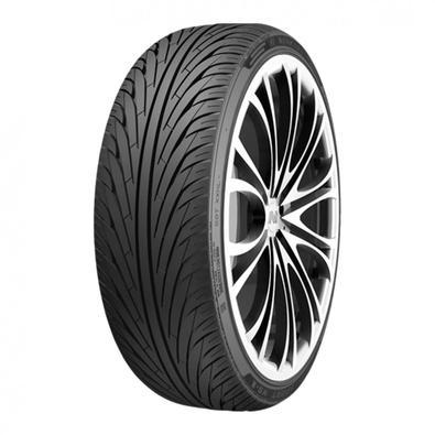 Os pneus esportivo Nankang NS-2 tem um design com dois centro de design sulcos circunferenciais pode direcionar de forma eficiente a água longe e melh
