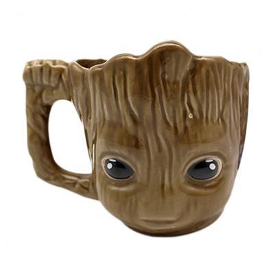 CANECA FORMATO 3D 350ML BABY GROOT  Caneca de cerâmica no formato do fofinho Baby Groot  Agora você pode ter uma caneca totalmente diferente para deco