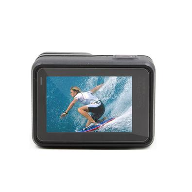 Aumente a proteção de sua GoPro com esta película protetora. Proteja a Lente e o LCD de sua câmera contra riscos, sujeiras e poeiras.